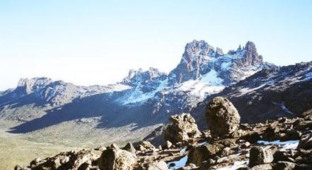 trekking mont kenya